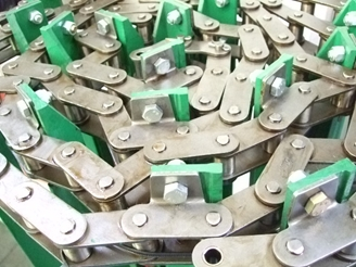 Picture of Chain Assembly with 49 slats, closed space.